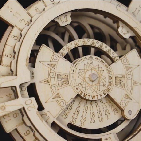 DIY - 3D Perpetual Calendar Puzzle - Close-Up 1