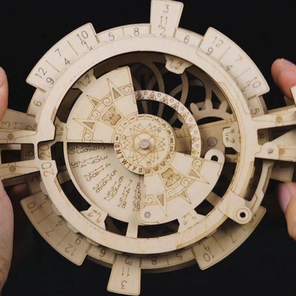 DIY - 3D Perpetual Calendar Puzzle - Front